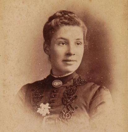 Clara Knight. Cropped. Blog etc (774x800)